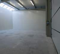In diesem Bild sehen sie das großzügige Platzangebot bei zwei miteinander kombinierten Halleneinheiten.